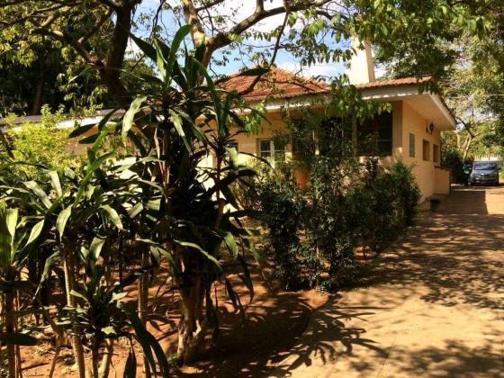 Moradia tipo-12 num terreno de 100x120 m2 na Cidade da Matola