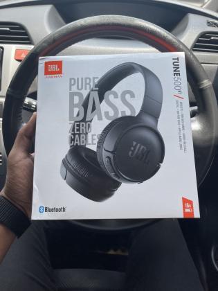 Headphones: JBL Tune 500bt ( selados )