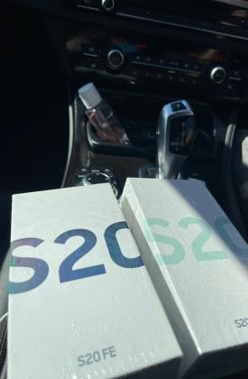 Samsung S20 FE na caixa selado